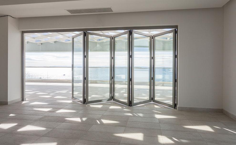 Συστήματα για πτυσσόμενες πόρτες